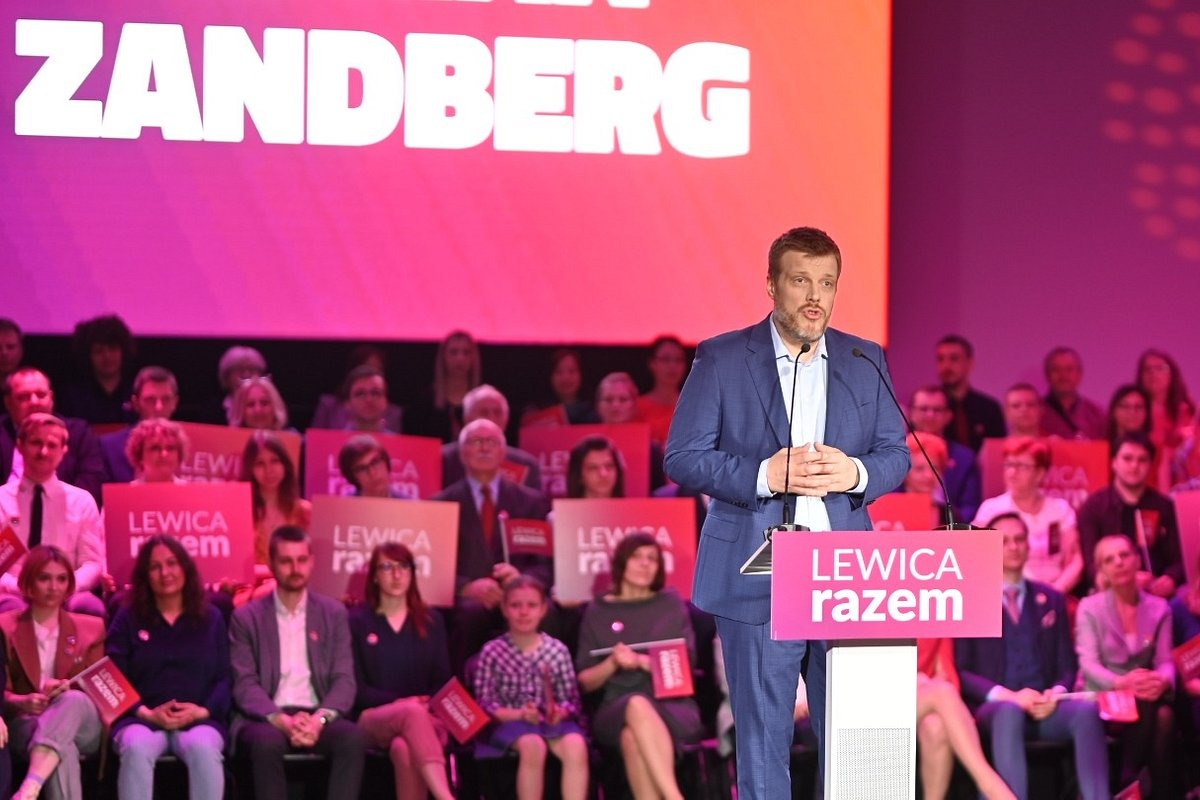 Lewica Razem na konwencji wyborczej: chcemy europejskiej płacy minimalnej, inwestycji w zdrowie i budowę mieszkań na wynajem