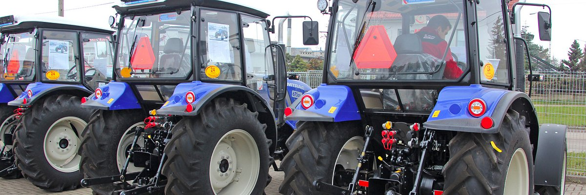 Planujesz zakup ciągnika lub maszyny rolniczej? Skorzystaj z darmowego i profesjonalnego wsparcia