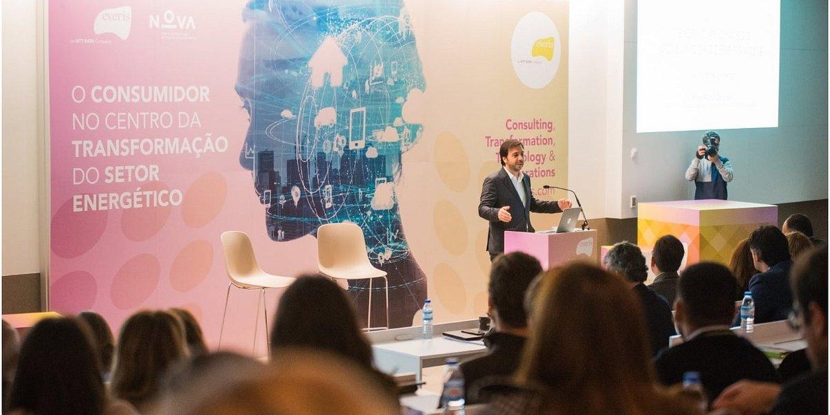 Consumidores procuram mais simplicidade, transparência e opções de interação com as empresas de comercialização de energia