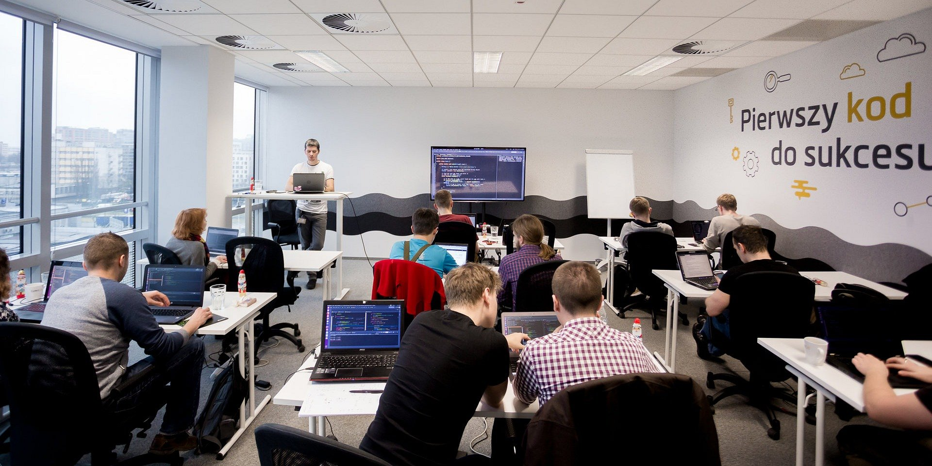 Educate and Employ: nowy trend w rekrutacji