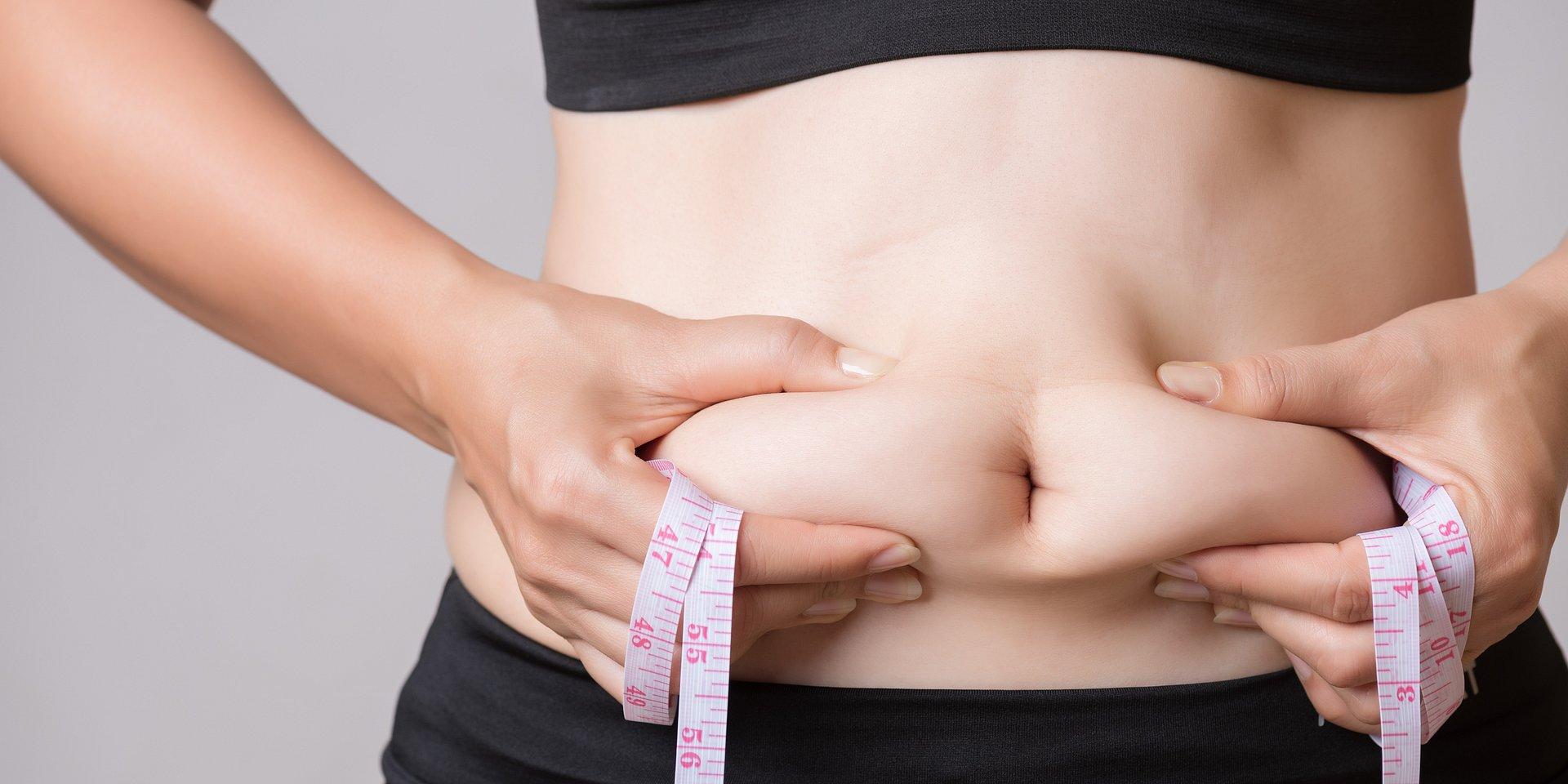 Schudłam i co dalej? Jak poradzić sobie z nadmiarem skóry na brzuchu?