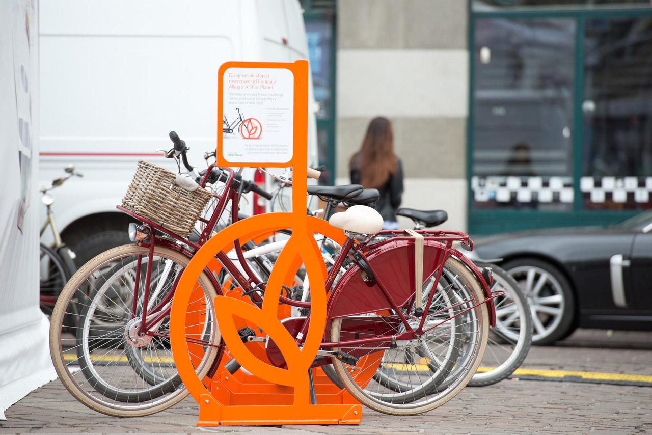 300 wyjątkowych projektów stojaków dla polskich miast od Allegro