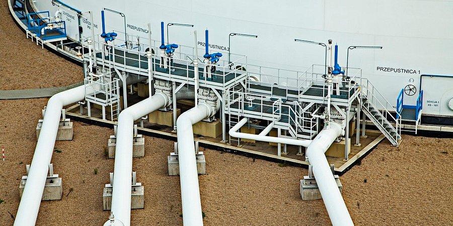Klienci PERN uzgodnili wznowienie dostaw ropy do kraju