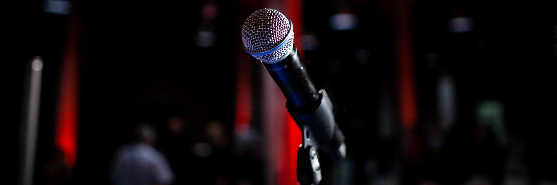 Czy kiedykolwiek zastanawiałeś się, czy to jak mówisz w wystąpieniu publicznym ma znaczenie?