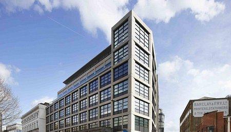 A HB Reavis eladta londoni Cooper & Southwark irodaházát