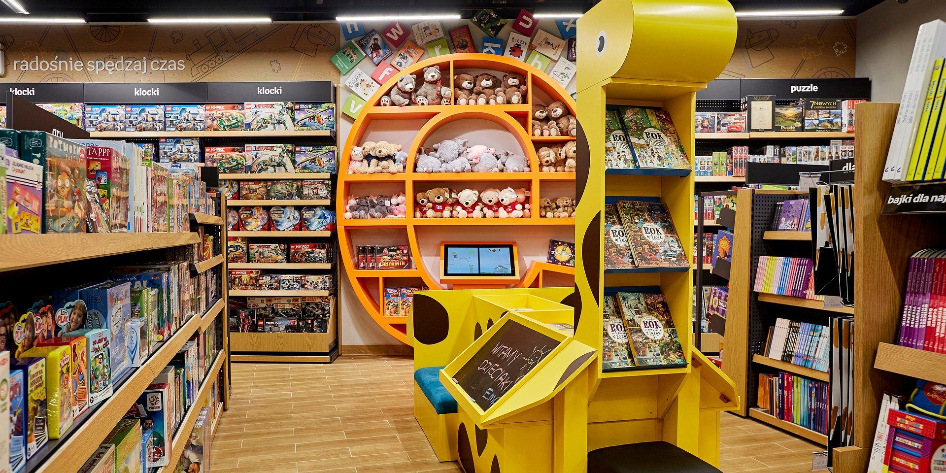 Empik w Złotych Tarasach zmienił się w Future Store!