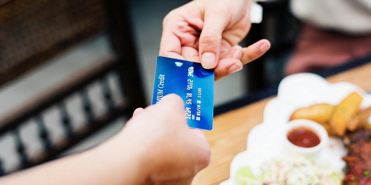 Płacisz telefonem lub zbliżeniowo? Czy to bezpieczne?