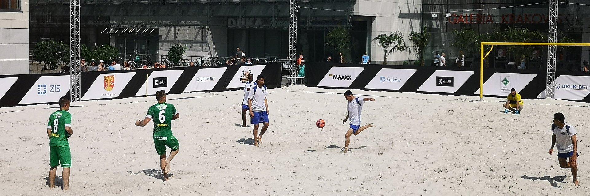 Charytatywny mecz z gwiazdami w ramach Międzynarodowego Festiwalu Sportów Plażowych Galeria Krakowska