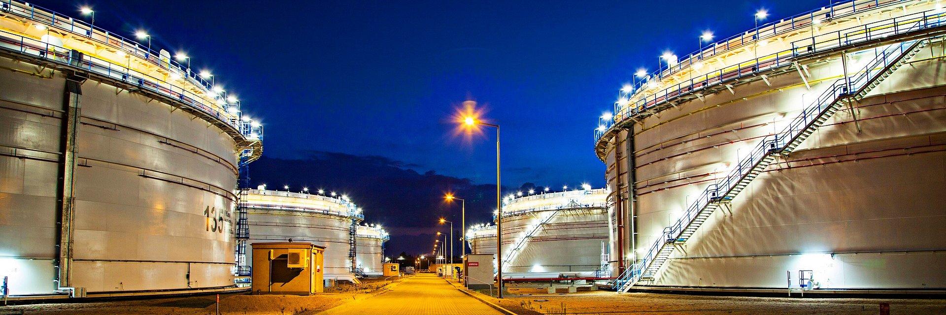"""Dostawy ropy do Adamowa odbywają się trzema nitkami rurociągu """"Przyjaźń"""""""