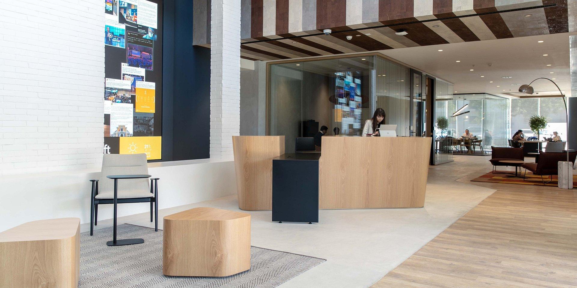Ministro Adjunto e da Economia inaugura nova Casa Microsoft