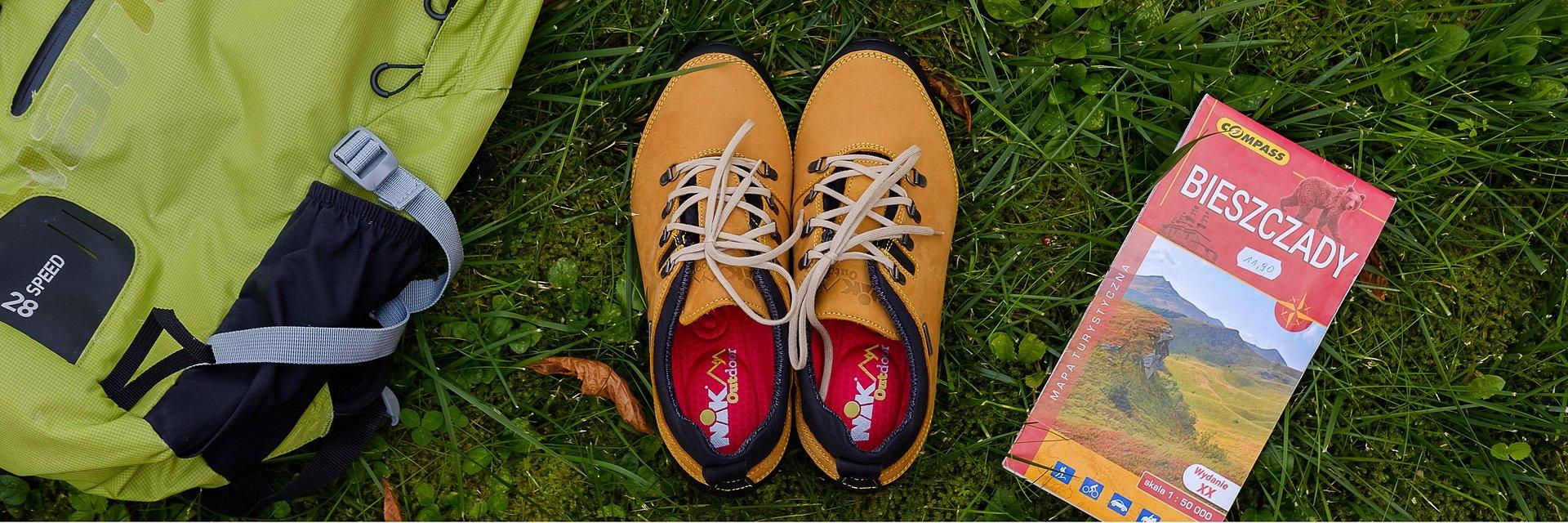 Buty trekkingowe na płaskie tereny – poradnik dla początkujących