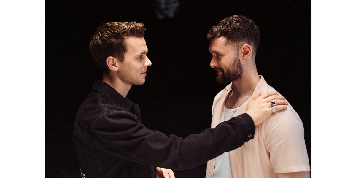 "Felix Jaehn i Calum Scott w klipie ""Love On Myself"""