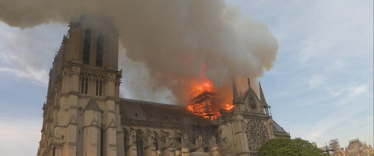 """National Geographic pokaże niepublikowane nagrania i relacje strażaków z heroicznej walki o jeden z najchętniej odwiedzanych zabytków w Europie w programie specjalnym """"Notre Dame w ogniu"""""""