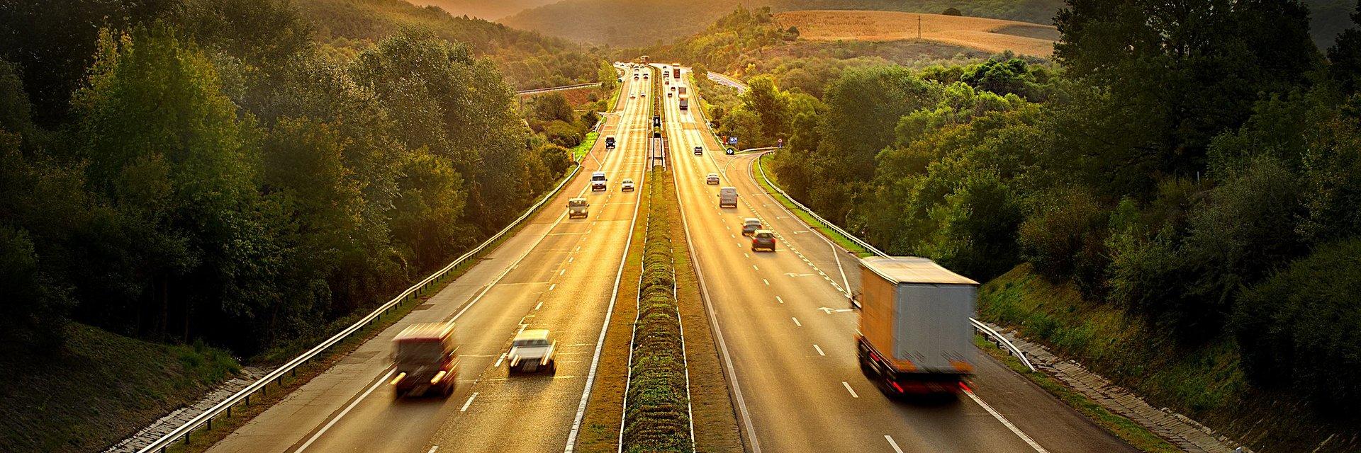 Mądrzej, taniej, szybciej i bardziej ekologicznie – jak telematyka napędza biznes transportowy?