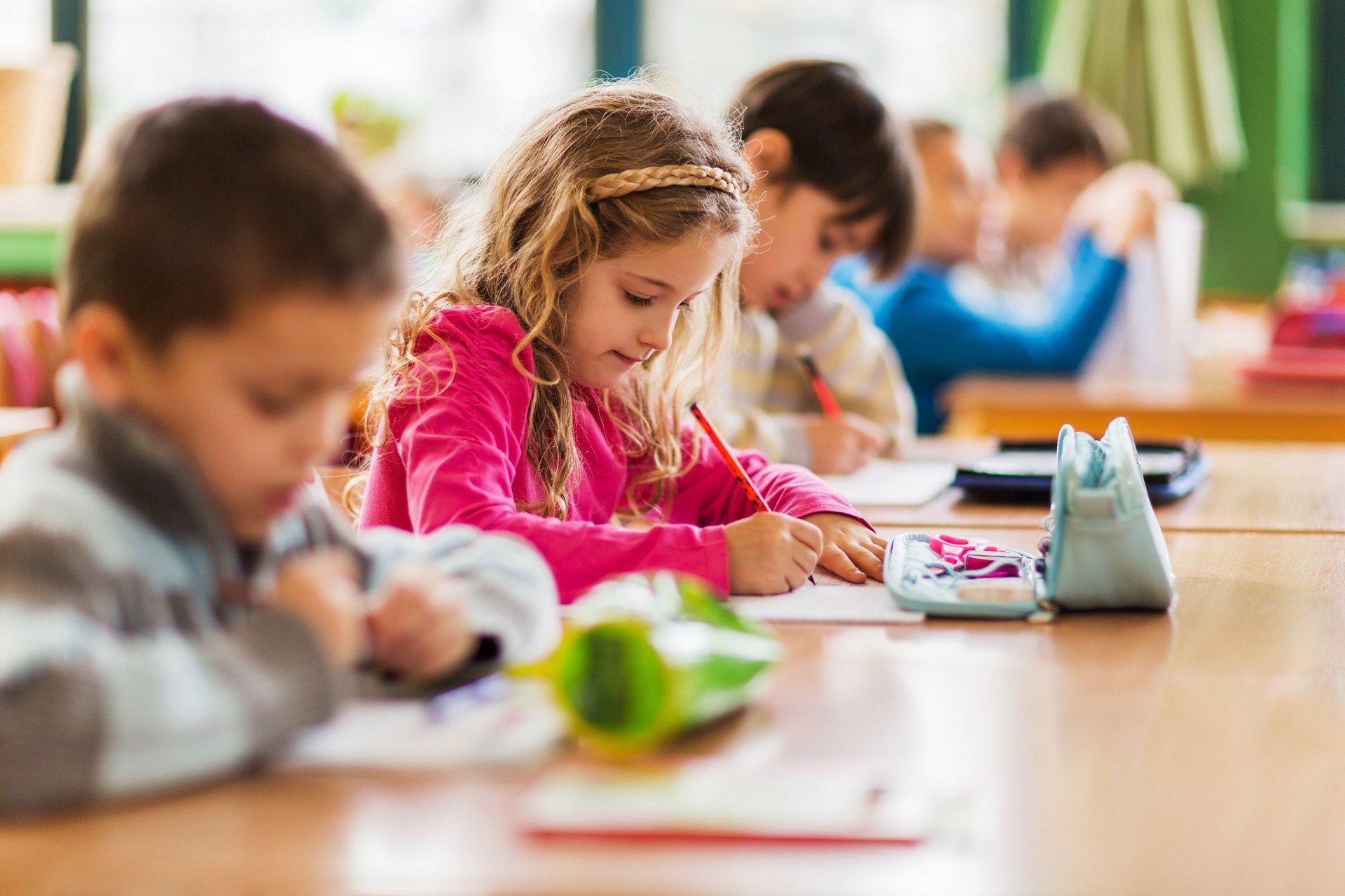 Wyprawka do szkoły dla pierwszoklasisty. Co powinno się w niej znaleźć?