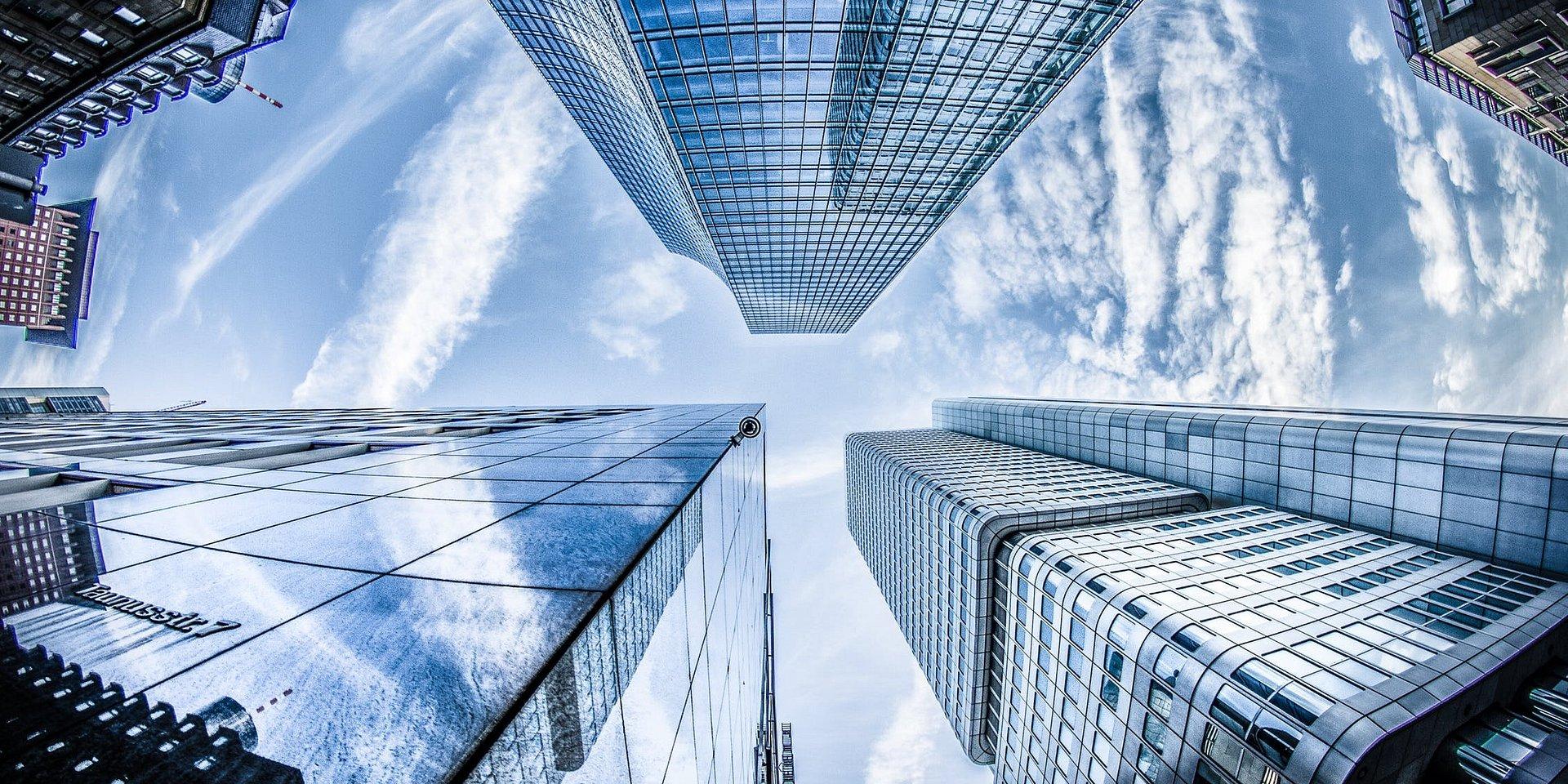 Globalne trendy, które zmieniają rynek pracy i… przestrzenie biurowe