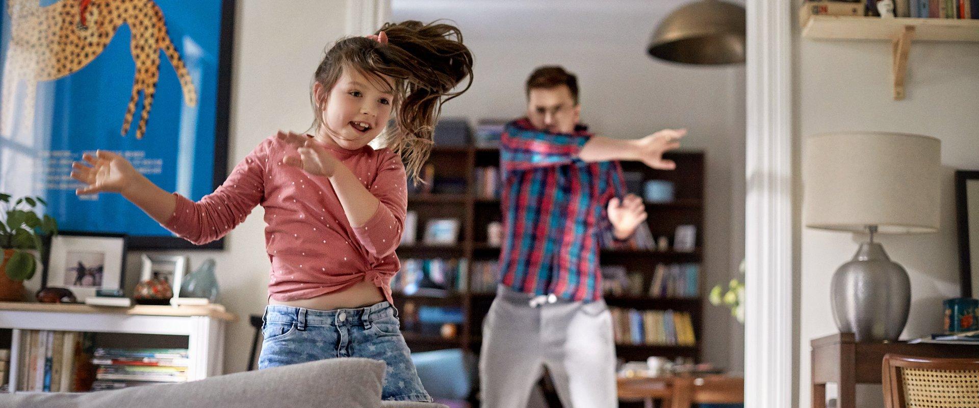 """""""Ubezpiecz jak ojciec, baw się jak tata"""" – zachęca w nowej kampanii Nationale-Nederlanden"""