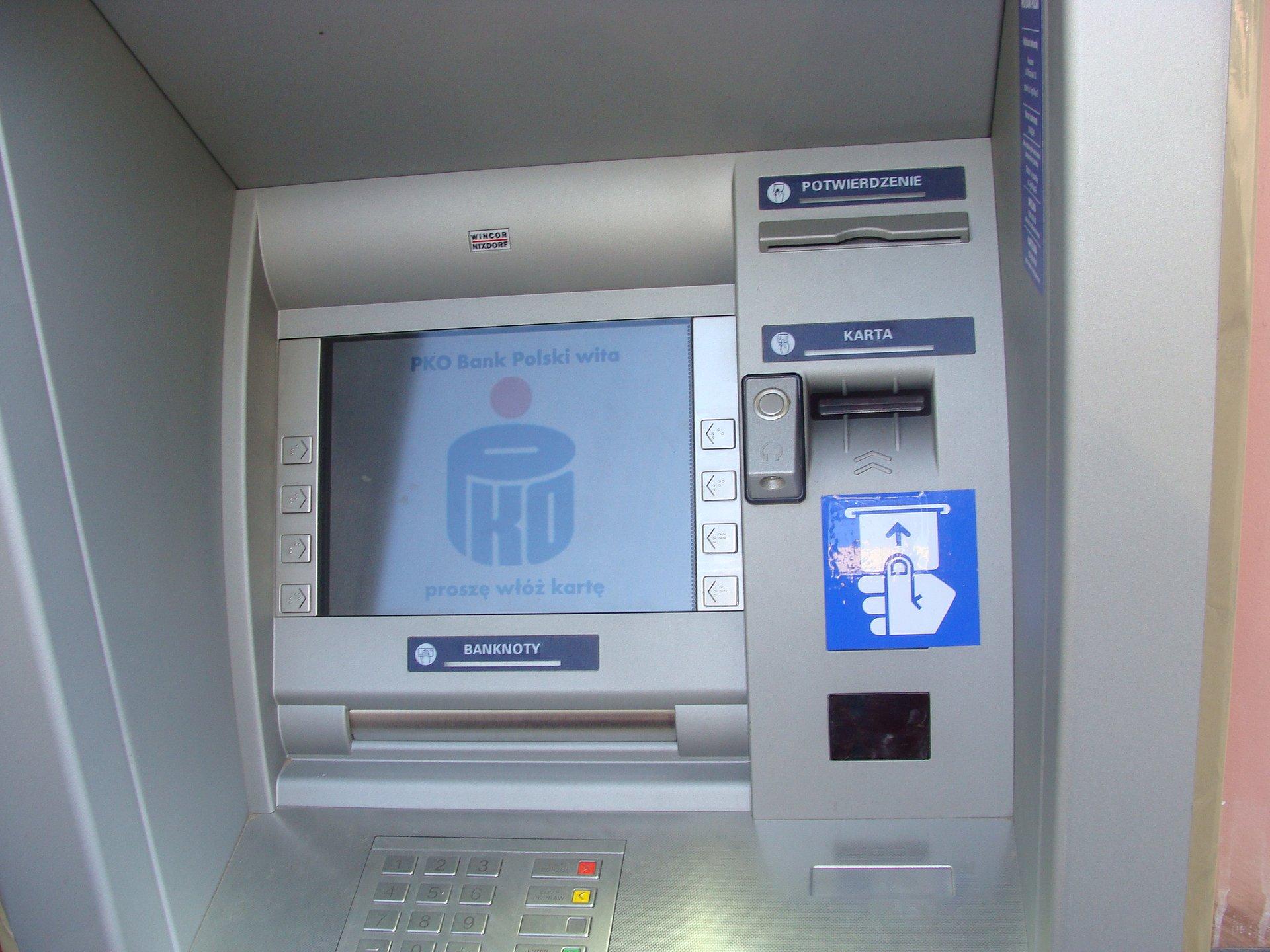 PKO Bank Polski uruchomił pierwszy bankomat przystosowany  dla osób niewidomych i słabowidzących