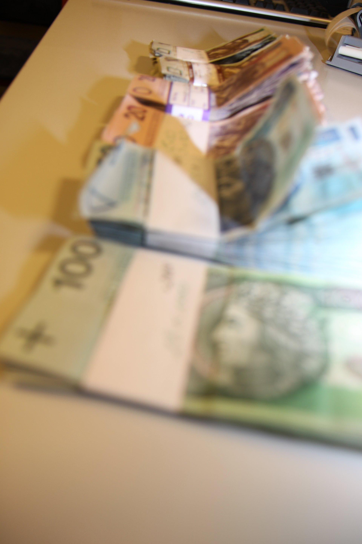 Zarabiaj na sile złotego z PKO Bankiem Polskim