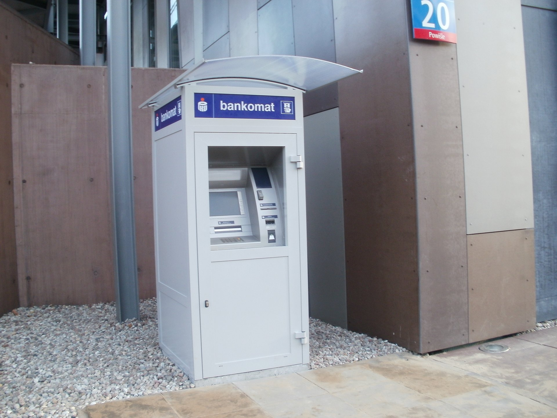 Nowe bankomaty dla niewidomych i słabowidzących w sieci PKO Banku Polskiego
