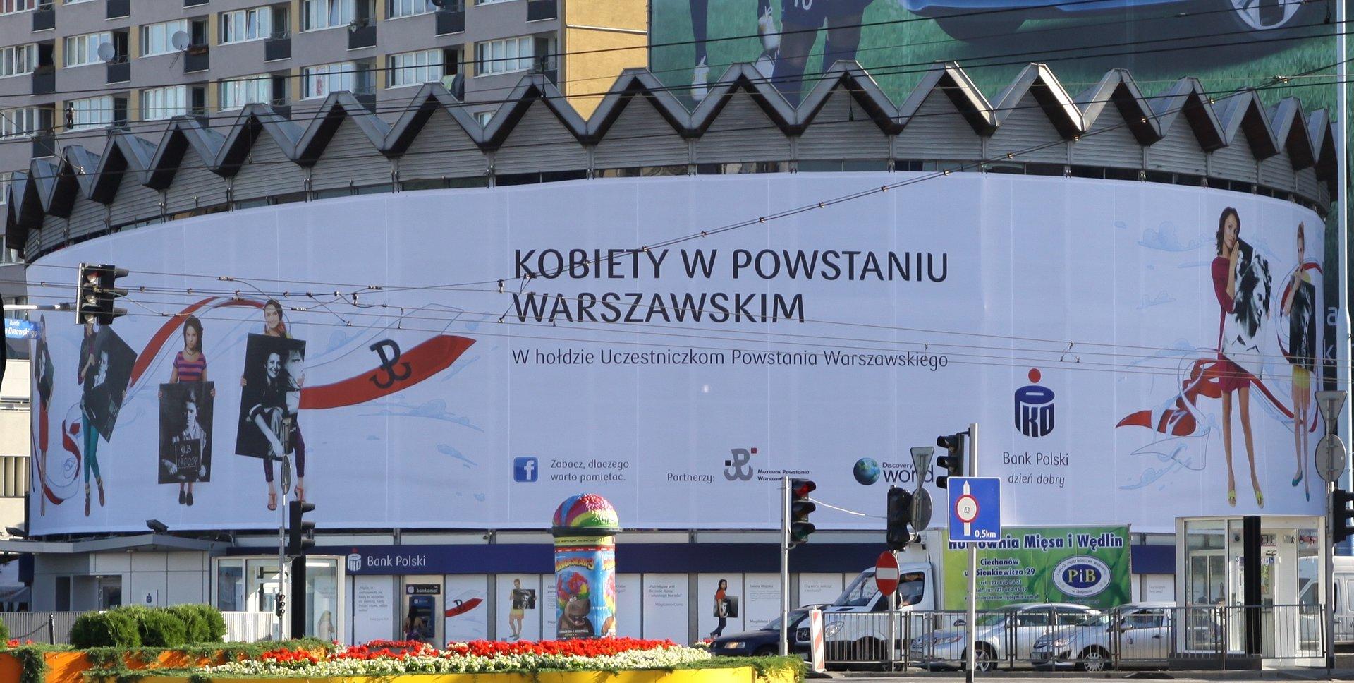 Kobiety-Powstańcy na warszawskiej Rotundzie w 68. rocznicę wydarzeń