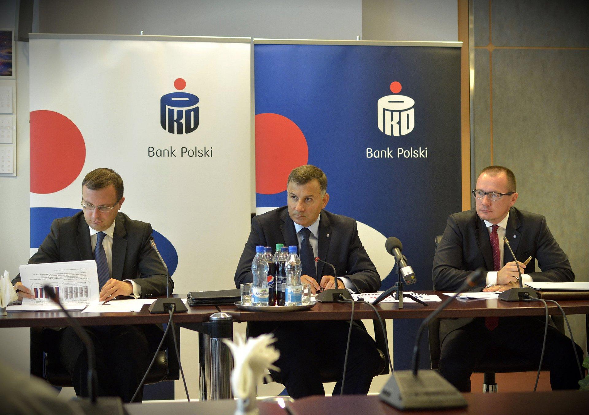 Stabilny i wysoki zysk oraz dalszy wzrost efektywności Grupy PKO Banku Polskiego