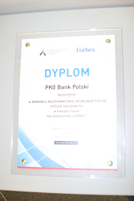 PKO Bank Polski doceniony w rankingach Forbesa
