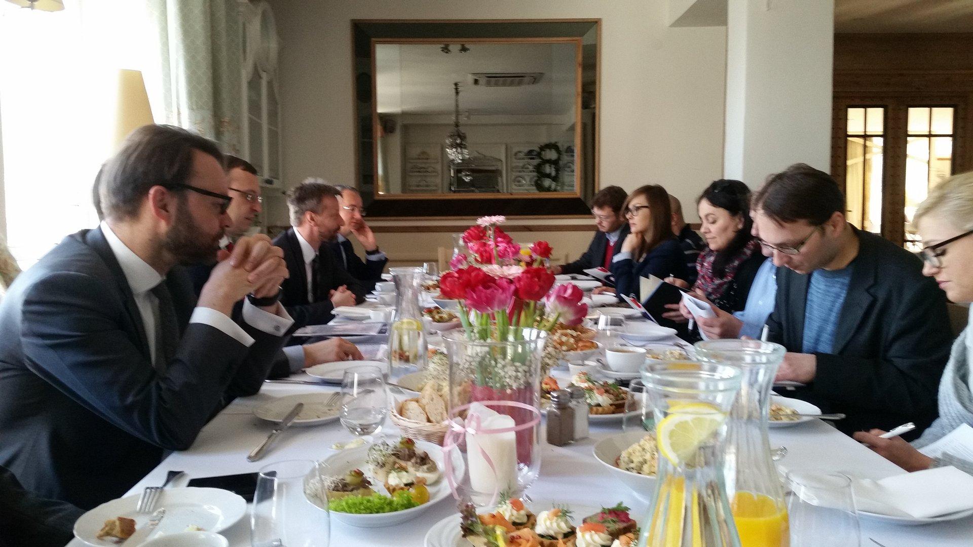 Spowolnienie przed przyspieszeniem - prognozy gospodarcze PKO Banku Polskiego