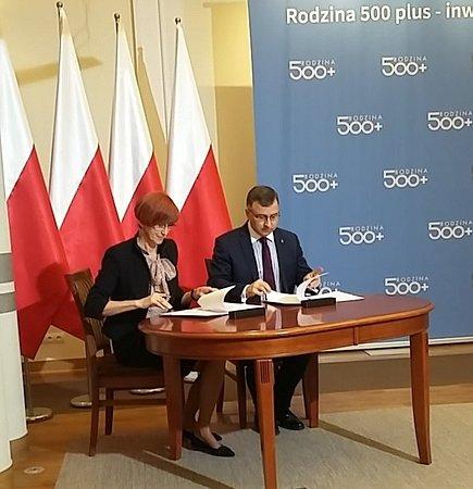 PKO Bank Polski wspiera realizację programu 500+ oraz budowę e-administracji