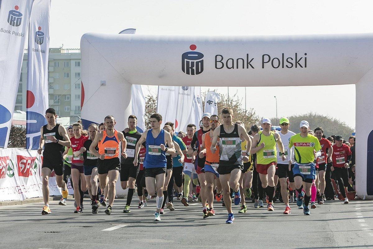 1300 biegaczy na mecie 10. PKO Półmaratonu Rzeszowskiego