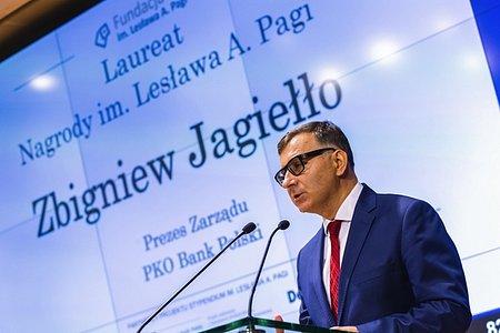 Zbigniew Jagiełło, prezes Zarządu PKO Banku Polskiego, uhonorowany Nagrodą Lesława A. Pagi