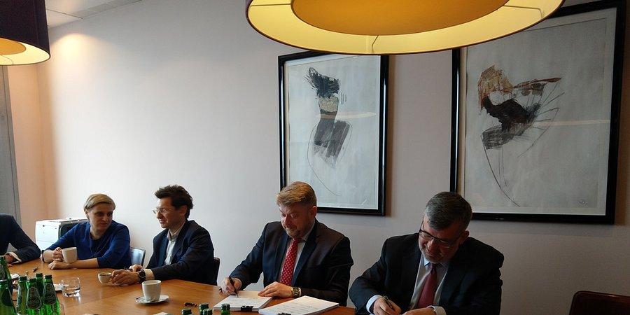 Ponad 1 mld zł kredytu z BGK i PKO Banku Polskiego na nowy tabor Kolei Mazowieckich
