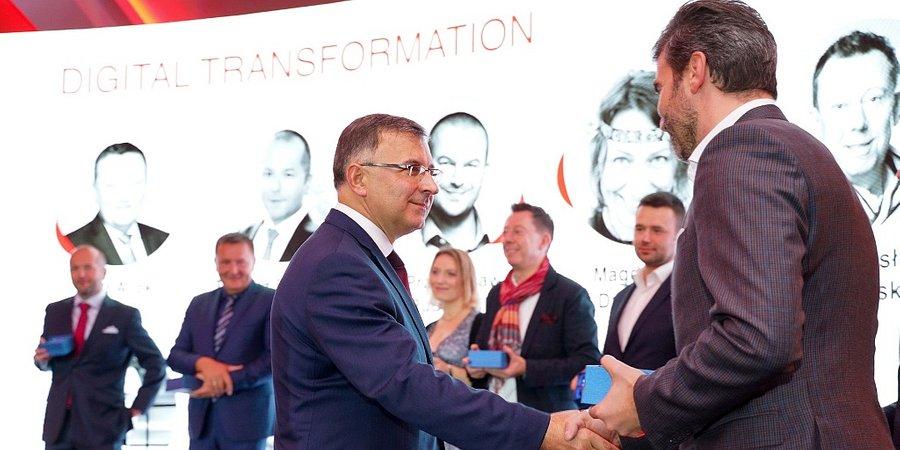 """Zbigniew Jagiełło, prezes Zarządu PKO Banku Polskiego laureatem nagrody """"Digital Shapers"""""""