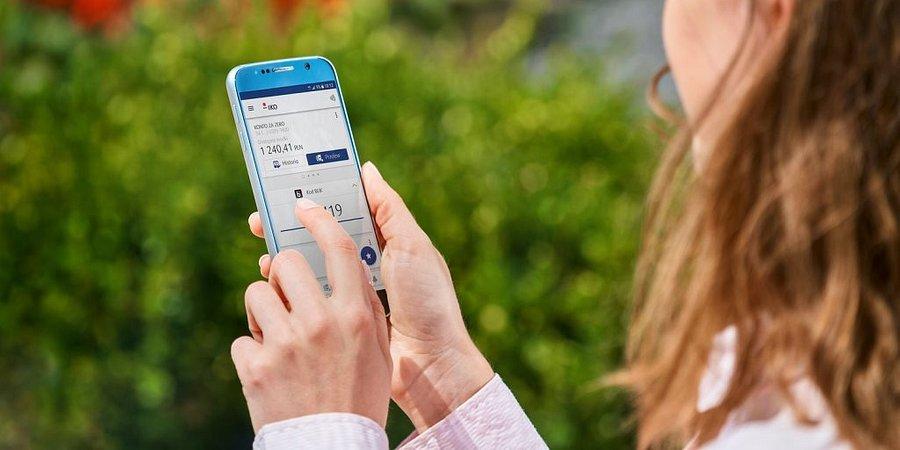 PKO Bank Polski z 25-proc. udziałem w rynku bankowości mobilnej