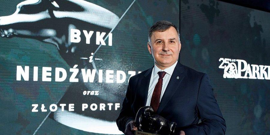 Zbigniew Jagiełło, prezes Zarządu PKO Banku Polskiego wyróżniony nagrodą specjalną Byki i Niedźwiedzie