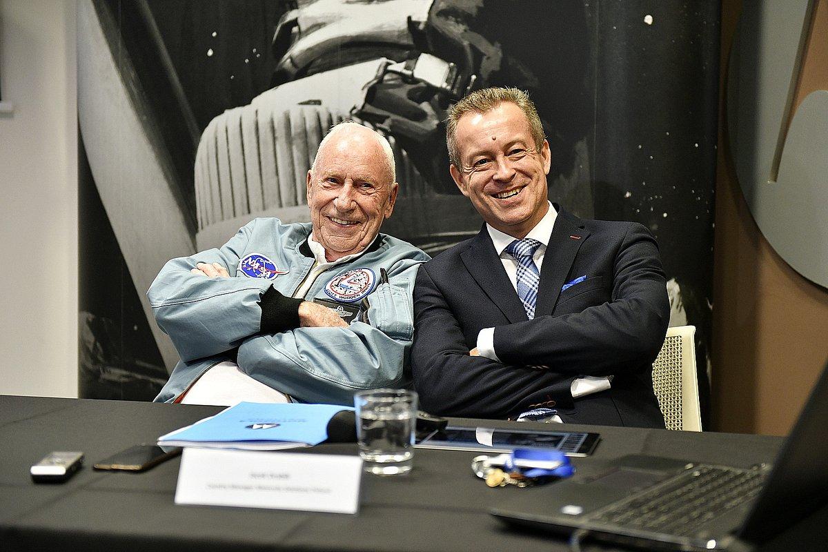 50 lat po lądowaniu na Księżycu: komunikacja Księżyc-Ziemia. Firma Motorola Solutions świętuje wielki skok wraz z astronautą z misji Apollo 15 – płk. Alfredem Wordenem