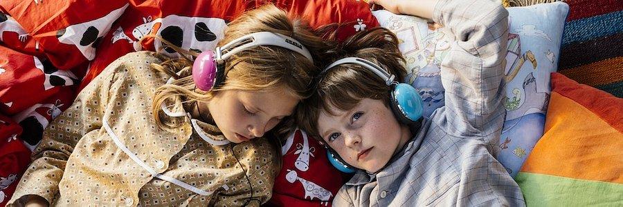 """""""Wyobraźnia jest ogromnym zasobem, z którego dziecko może czerpać"""" - mówi Agnieszka Stein, psycholożka, autorka podcastu rodzicielskiego na platformie Storytel."""