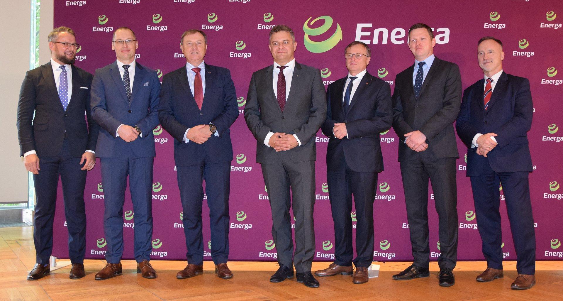 Pierwszy kredyt odpowiedzialny społecznie dla polskiej energetyki – na 2 mld zł