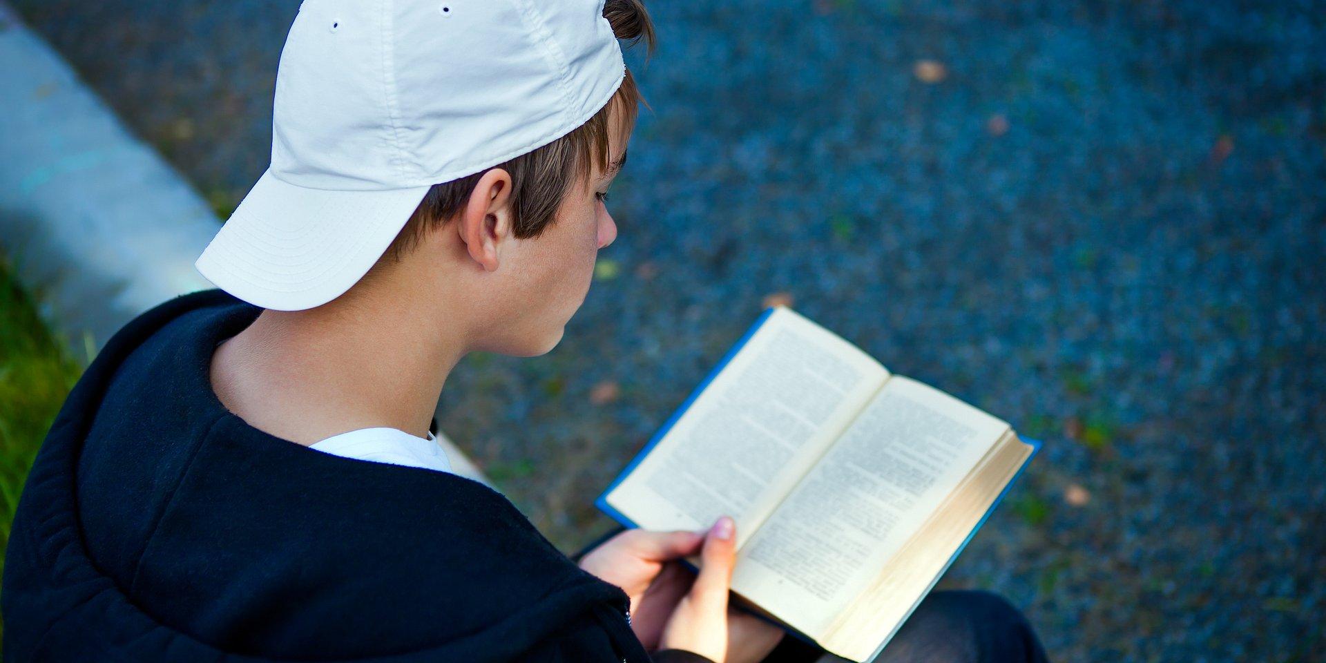 Podręczniki i lektury obowiązkowe