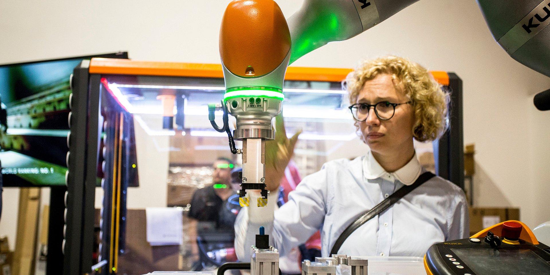 Współpraca na linii robot-człowiek. Dlaczego to tak ważne zagadnienie?