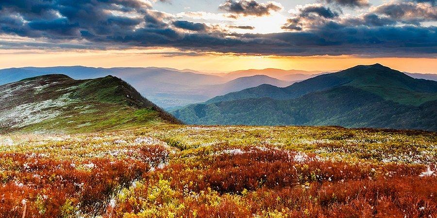 Złota Polska Jesień najpiękniejsza w górach - najlepsze trasy na październikowe wędrówki