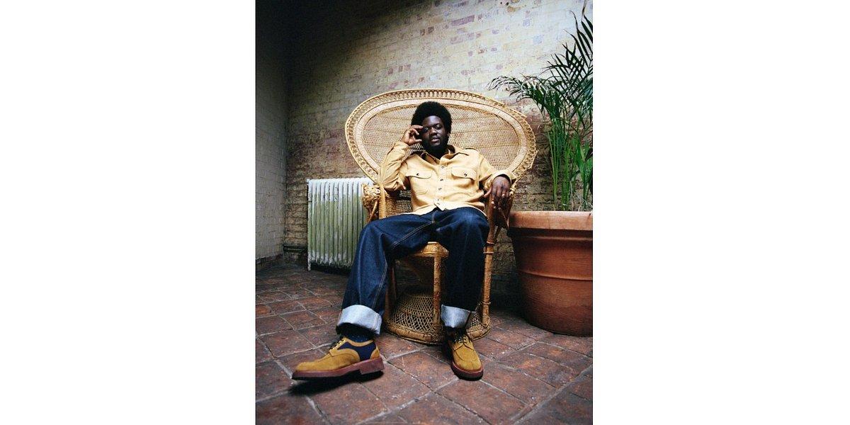 """Michael Kiwanuka wspomina słynnego aktywistę w singlu """"Hero"""""""