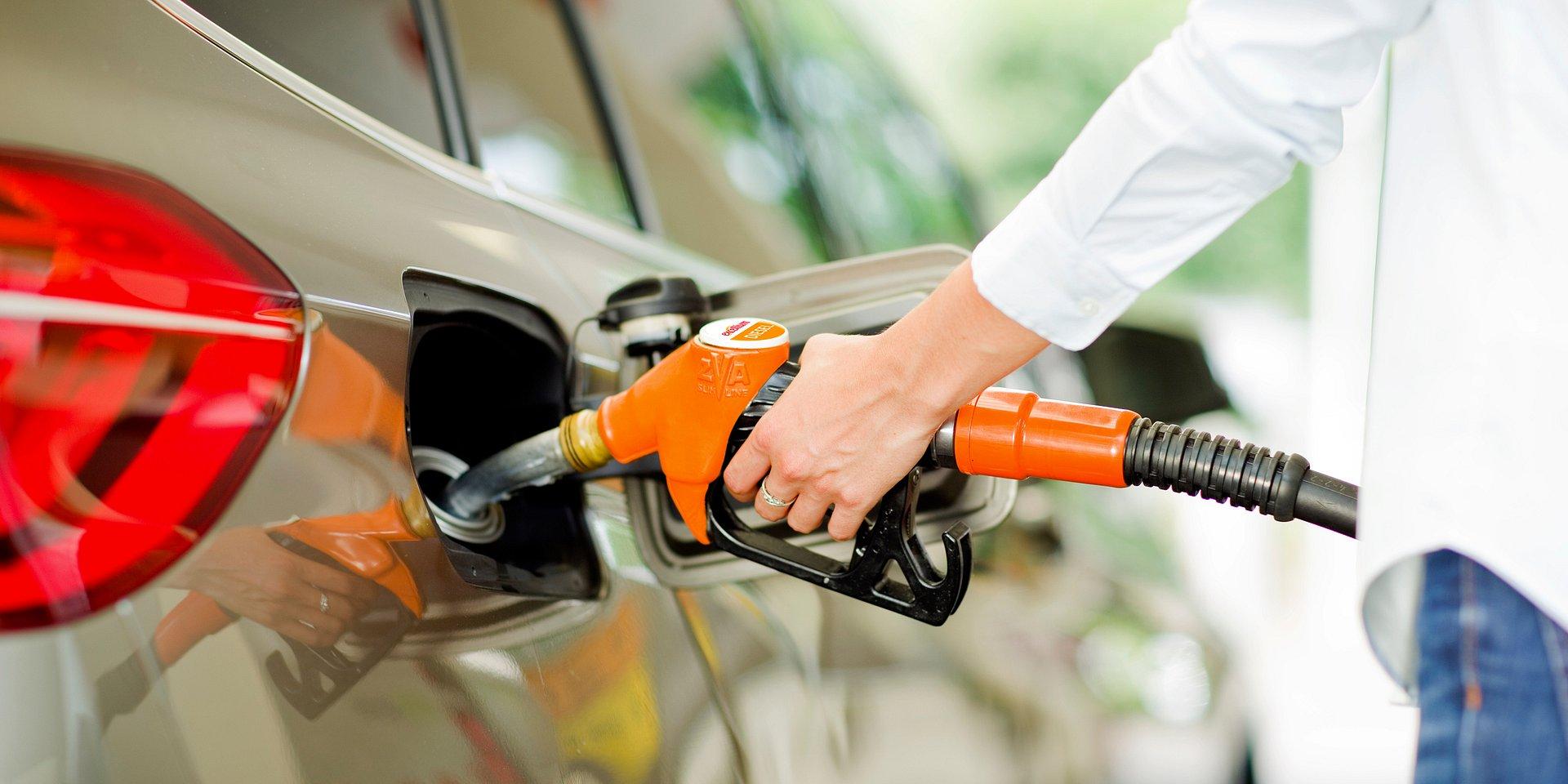 Czym różnią się paliwa uszlachetniane od paliw normalnych?