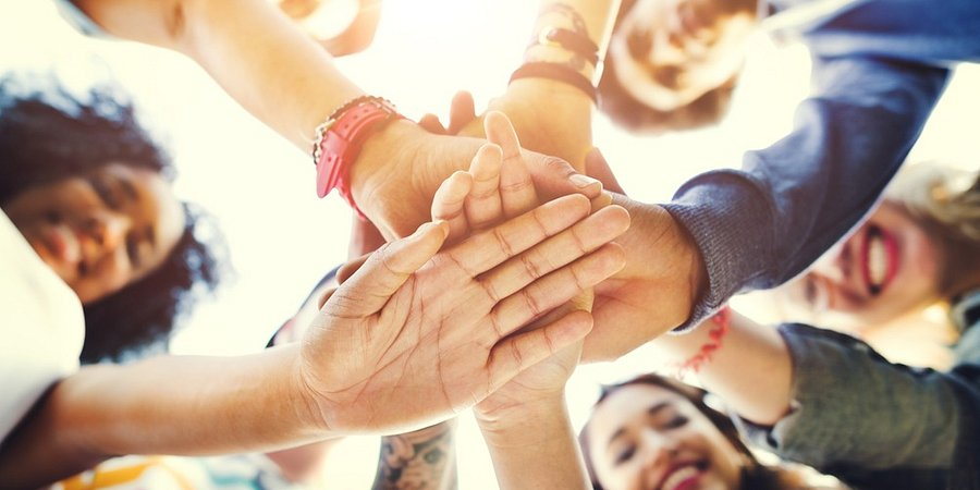 W październiku uczniowie rozmawiają o godności!13. Światowy Dzień Godności w Polsce i na świecie