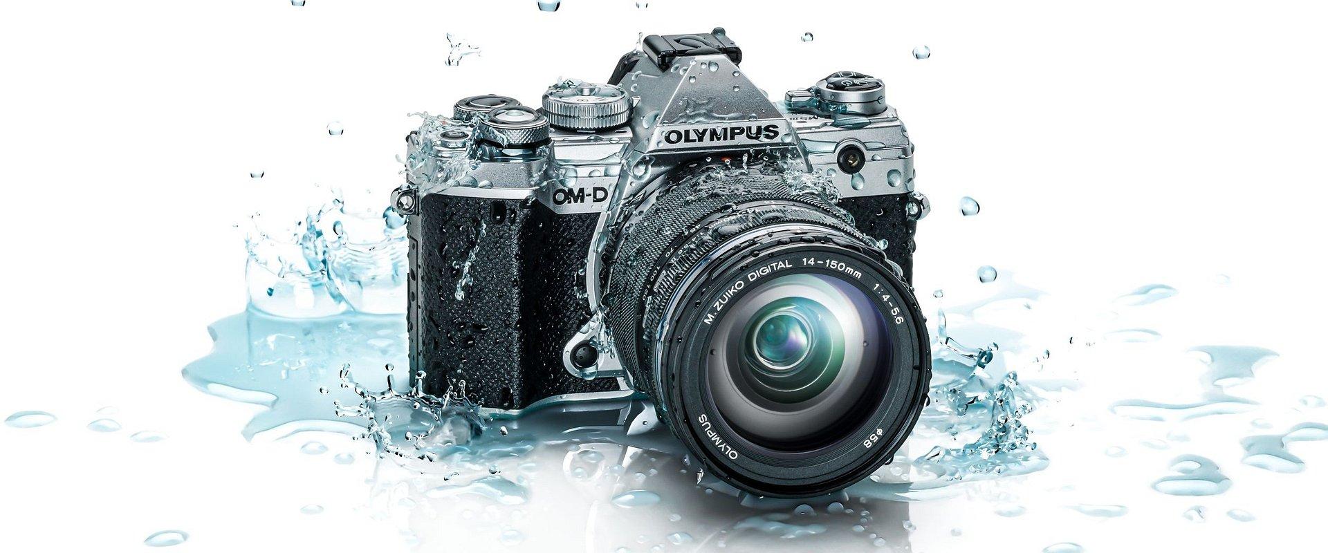 Olympus oficjalnie prezentuje nowy model aparatu z wbudowaną pięcioosiową stabilizacją obrazu