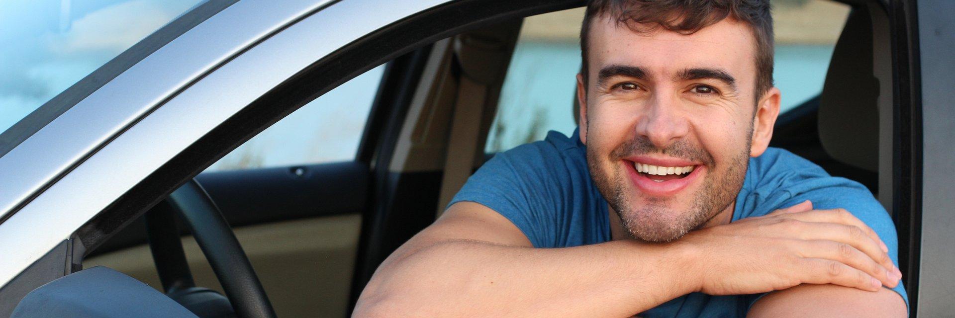 Ceny OC młodych kierowców średnio są 2 razy wyższe