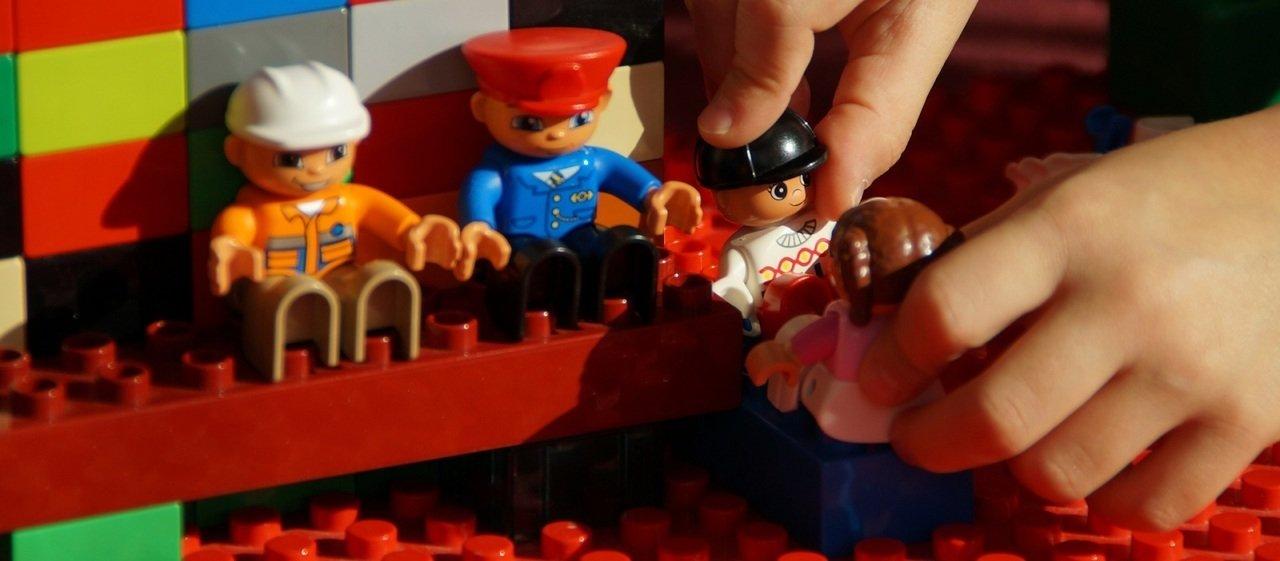 Kultowe zabawki z przeszłości – niezmiennie na topie
