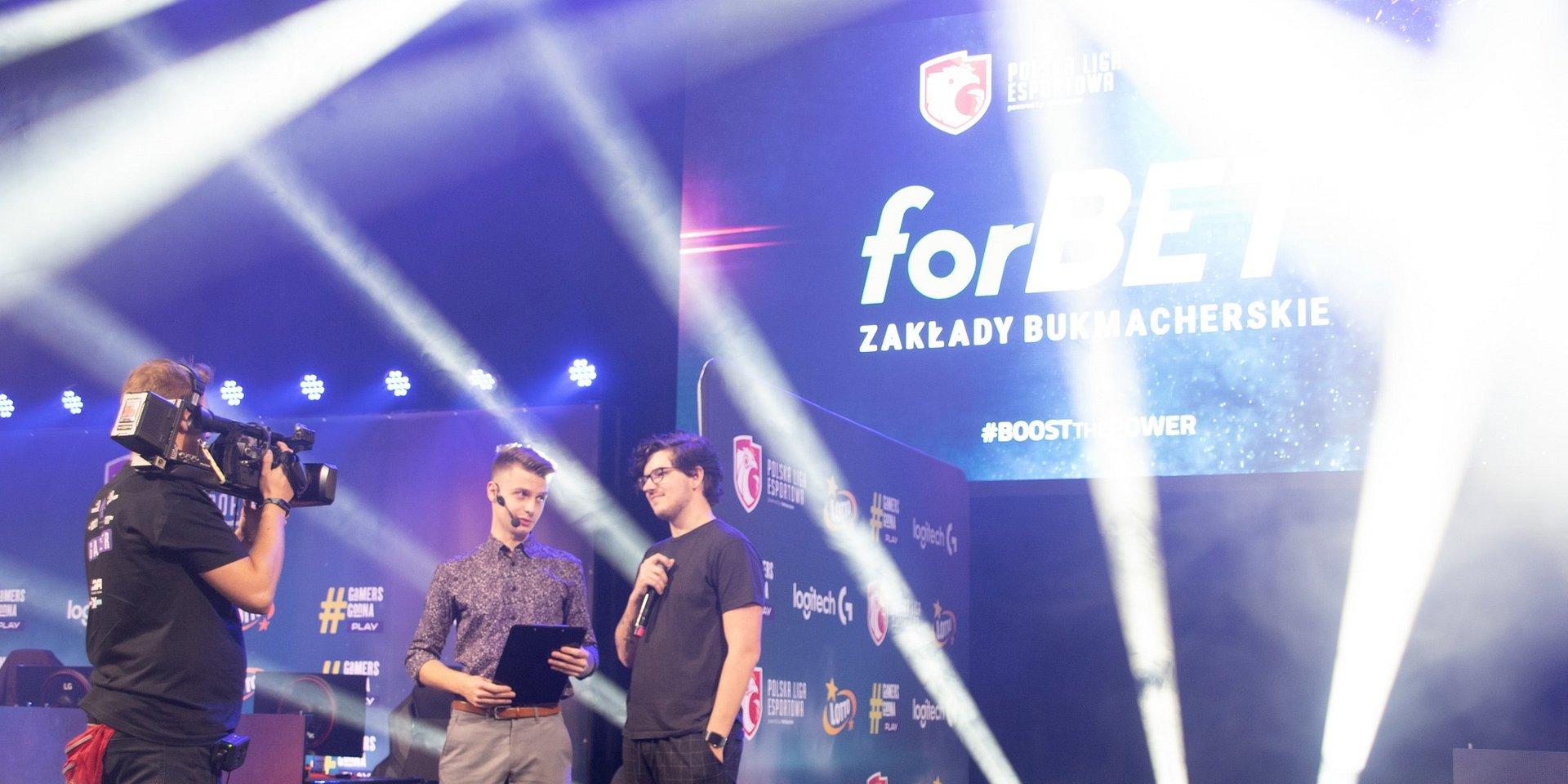 forBET stawia na esport! Zakłady bukmacherskie podjęły współpracę z Polską Ligą Esportową