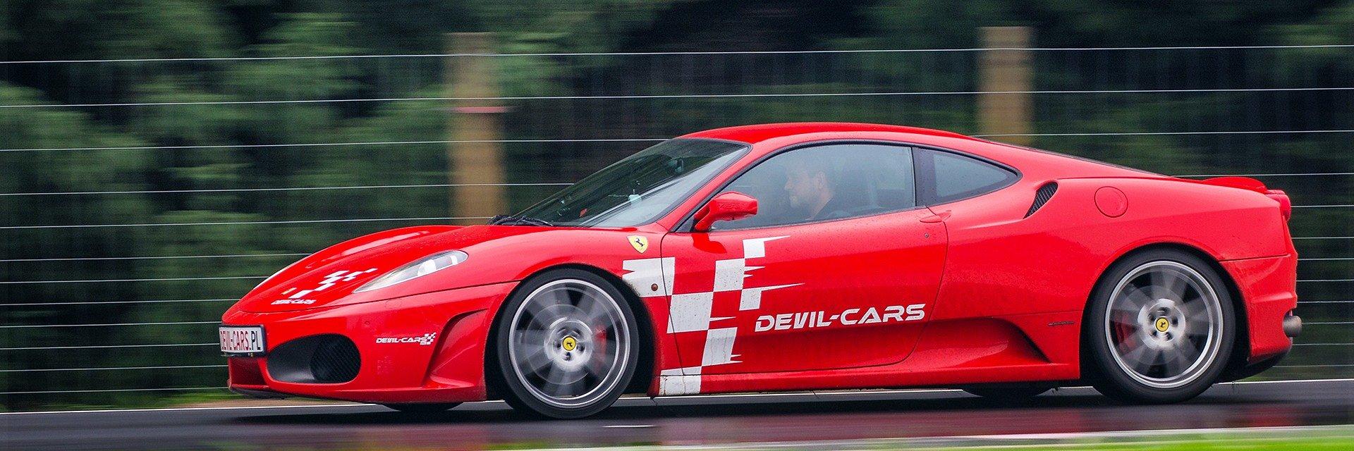 Devil-Cars podsumowują sezon. Miłośnicy szybkich samochodów przekazali ponad 17 tysięcy złotych na rzecz hospicjów dla dzieci w całej Polsce