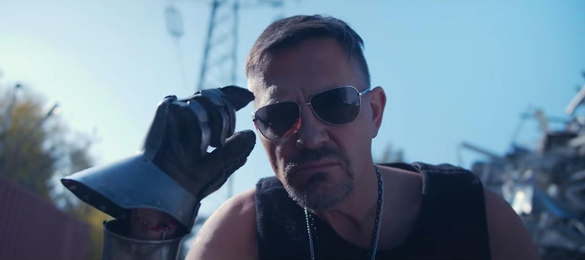 Krzysztof Ibisz zastąpi Keanu Reevesa w Cyberpunk 2077? Nowy hit YouTube'a podbija serca fanów!